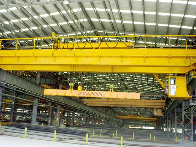 河南省矿山起重机有限公司生产厂区